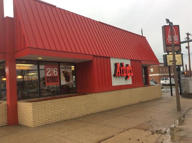 Arbys Painesville exterior BEFORE